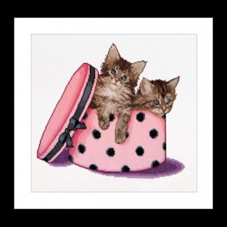 Набор для вышивания арт.Gouverneur-734 A 'Котята-близнецы в коробке' 31х30 см