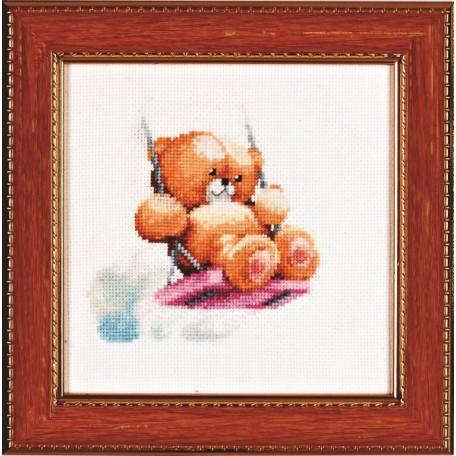 Набор для вышивания Алисена арт.1026 'Мишка на качелях' 11*11 см