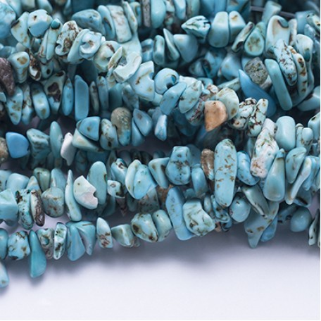 Бусины Бирюза крошка арт.МБ.УТ11371 5-12х4-8 мм цв.голубой на нитях