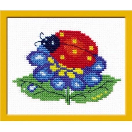 Набор для вышивания арт.ЧИ-10-09 (Д-064) М 'Божья коровка' 10x7 см
