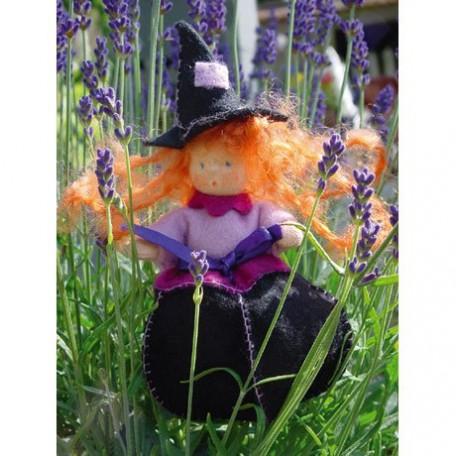 WIT.A45100 Набор для изготовления вальдорфской куклы DE WITTE ENGEL 'Лавандовая чародейка' h=12см