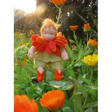 WIT.A46100 Набор для изготовления вальдорфской куклы DE WITTE ENGEL 'Календула' h=12см