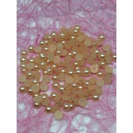 Бусины под жемчуг (половинки) арт. СШ.06.102 06мм цв.102 А уп.20г