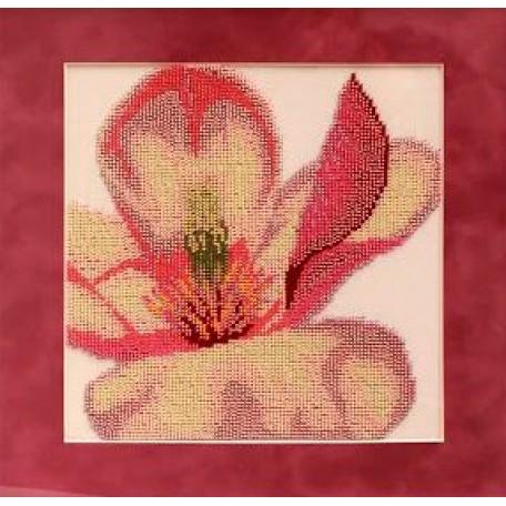 Набор для вышивания бисером 'Славяночка' арт. С-019 Триптих. Магнолия 1 23х23 см